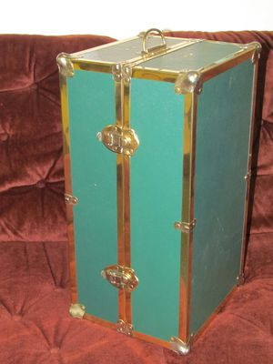 Antique Green and Gold Doll travel trunk for Sale in Mount Laurel, NJ