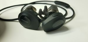 Bose - SoundSport wireless headphones - Black for Sale in Annandale, VA