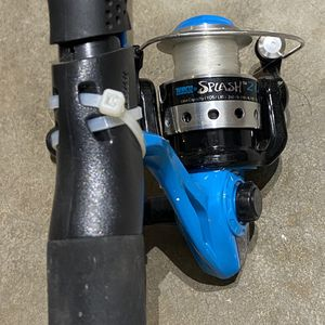 ZEBCO SPLASH SPINNING REEL and FISHING ROD 6' for Sale in Puyallup, WA