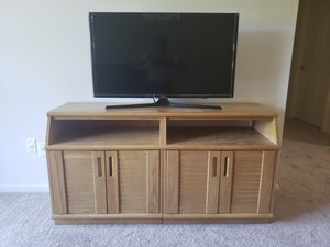 Samsung 40 inch Smart TV for Sale for Sale in South Windsor, CT
