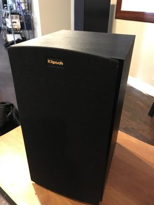 Klipsch R-15M Bookshelf speakers. Excellent condition. for Sale in Nashville, TN