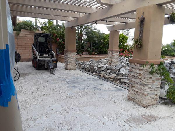 New/old concrete pieces