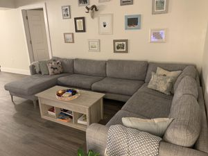 Grey sectional sofa for Sale in Plantation, FL