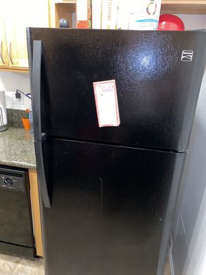 Kenmore Black Fridge - Like New (Less than a year old) for Sale in Long Beach, CA