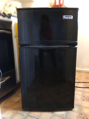 Mini Refrigerator - 3.1 cu ft Black for Sale in New York, NY