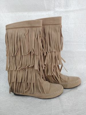 Fringe Boots size 8 worn only once! for Sale in Las Vegas, NV