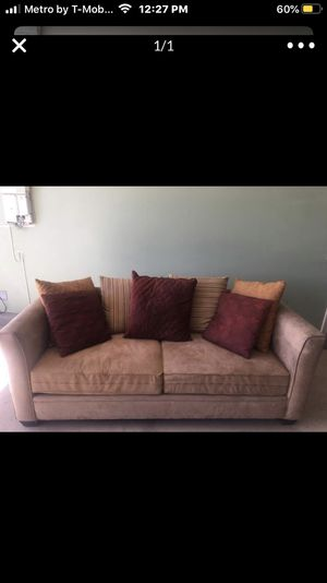 Velvety Couch for Sale in Nuevo, CA