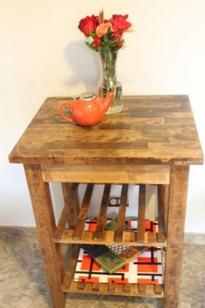 Small tall kitchen table for Sale in Schaumburg, IL