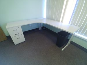 Steelcase Cubical Desk for Sale in Rochester, MI