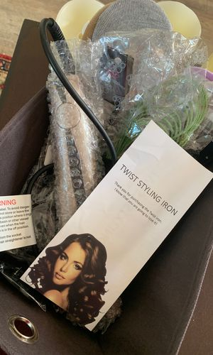 Twist styling Iron, Socks, Jewels for Sale in SUGARLF SHRS, FL
