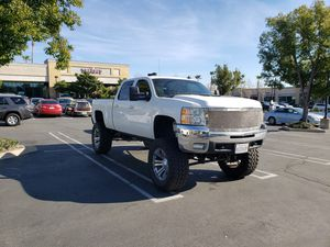 Open to Offers Chevy 2500HD 4WD Lifted for Sale in Rancho Cucamonga, CA