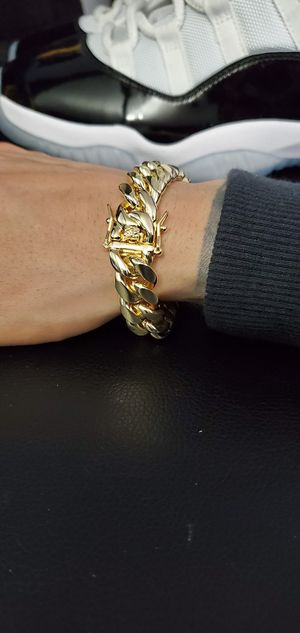 Miami Cuban Link Bracelet for Sale in The Bronx, NY