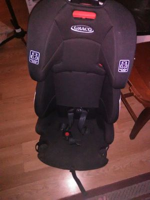 Gracias 3 in 1 car to booster seat for Sale in Nashville, TN