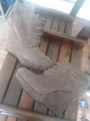 Jessica Simpson Brown Suede Heels for Sale in Raleigh, NC