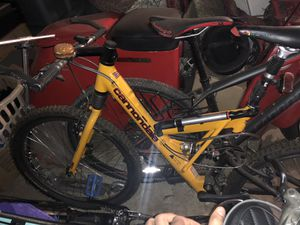 Cannondale mountain bike like new for Sale in Stockton, CA