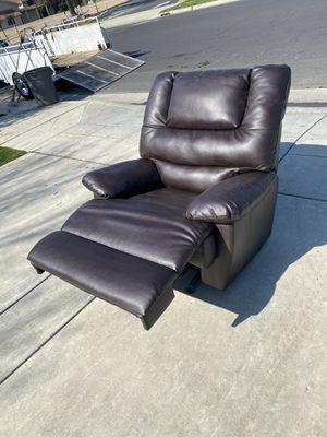Recliner/ Rocker Chair for Sale in Clovis, CA