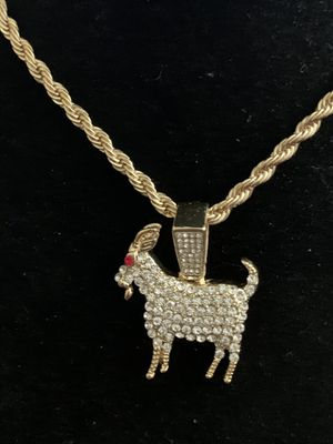 Pendant Necklace Charm 18kt Gold Plated (Please Read Description) for Sale in Seattle, WA
