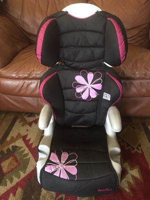 Car seat and booster seat evenflo for Sale in Corona, CA