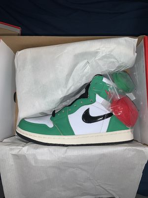 Jordan 1 lucky green size 8.5 woman's for Sale in Miami, FL