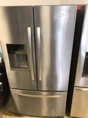 WHIRLPOOL FRENCH DOOR STAINLESS STEEL REFRIGERATOR for Sale in Lilburn, GA