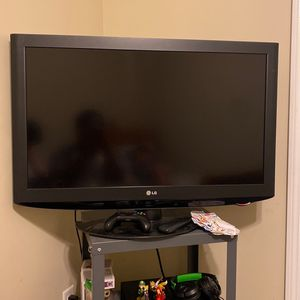 LG TV , Black for Sale in Stamford, CT