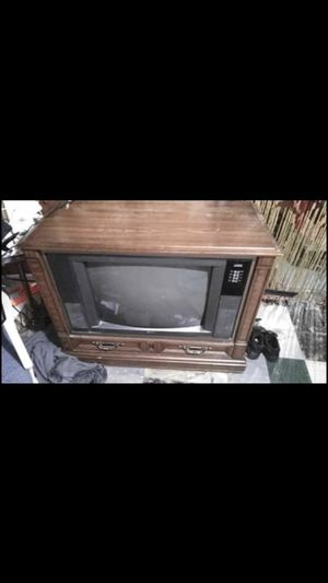Old tv still works for Sale in Berkeley, MO