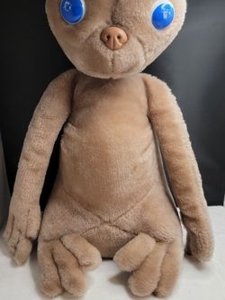 """Vintage 1982 E.T. Extra Terrestrial Plush Stuffed Animal 15"""" by Showtime Kamar for Sale in Lakewood,  WA"""
