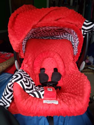 Car seat canopy set for Sale in Waterville, MN