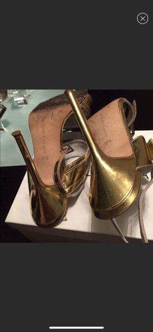 Gold Manolo Blahnik - Authentic Gold Sandal - Size 38 for Sale in Alexandria, VA