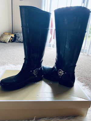 Authentic mk rain boots size 8 for Sale in Columbus, OH
