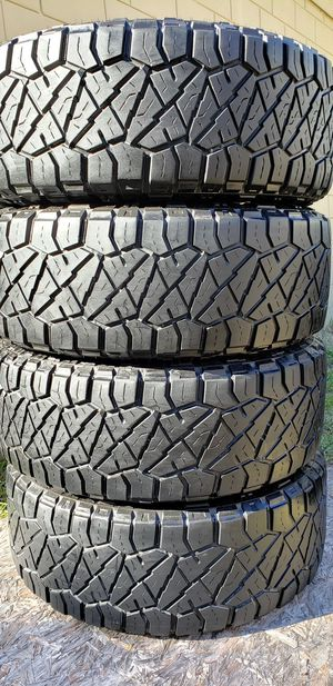 285/70/18 NITTO TIRES for Sale in Tampa, FL