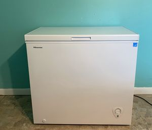 Hisense Household Freezer. Chest Freezer. 7.0 cu. ft. Energy Star. for Sale in Coral Springs, FL