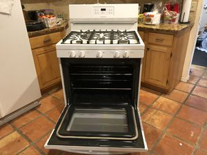 "Fridgaire propane gas range& oven. Like new used a couple of times but our gas pipe is leaking and non fixable 30""wide& 36"" tall. Must see it very n for Sale in West Palm Beach, FL"
