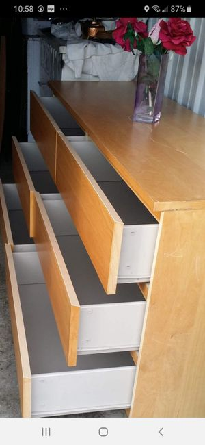 IKEA SET BIG DRESSER, 6 DRAWERS AND TWO NIGHSTAND DRAWERS SLIDING SMOOTHLY EXCELLENT CONDITION for Sale in Fairfax, VA