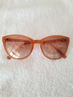 Vince Camuto Sunglasses (No Case) for Sale in Washington, DC