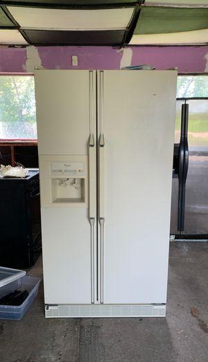 Whirlpool Refrigerator Model ED25PQ for Sale in Belleville, MI