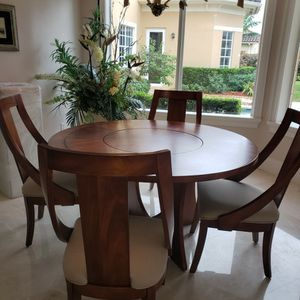 Dining/breakfast Table Set of 4. for Sale in Fort Lauderdale, FL