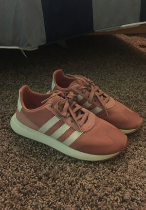 Adidas pink shoes (New) for Sale in Riverside, CA