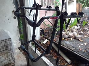 bike rack for 3 bikes in good condition for Sale in Miami, FL