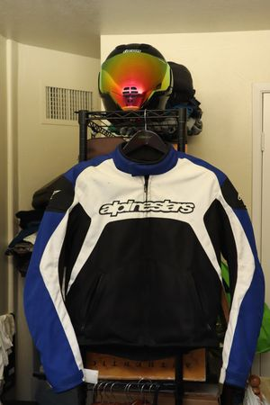 Alpinestar motorcycle mesh jacket, size large for Sale in Fresno, CA