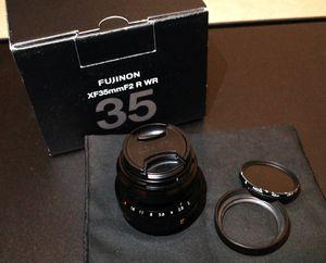Fujifilm 35mm f/2 WR Lens (inc. CPL filter) for Sale in Lynnwood, WA