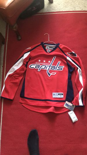 Capitals jersey Reebok adult small for Sale in Knightdale, NC