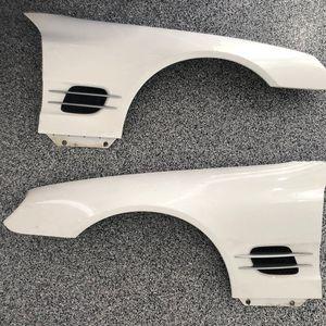 Auto part left /right fender panel white Mercedes Sl500 for Sale in Orange, CA