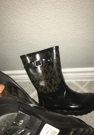 Sz 7 Michael Kors Rain boots for Sale in Duncanville, TX