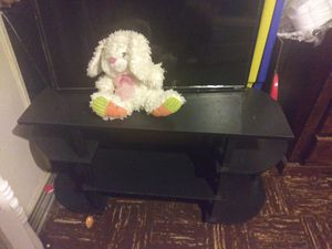 32 inch tv stand for Sale in Las Vegas, NV