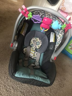 Graco FastAction Infant Car seat for Sale in Baltimore, MD