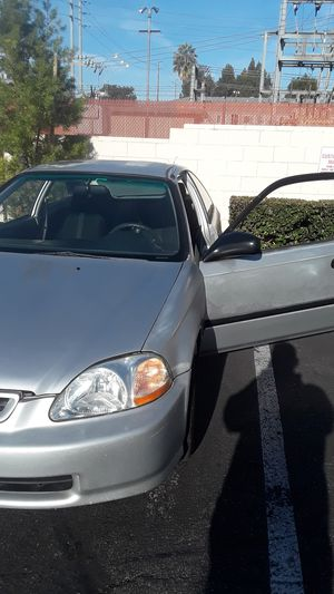 Killer killer deal I'll buy tags smog it put new brakes and have it put in ur name cash only !!!!!!💰1999 Honda Civic Grey standard for Sale in Whittier, CA