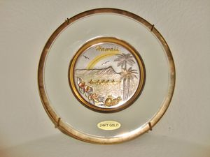 (PICK UP) collectible 24K gold HAWAII plate for Sale in North Las Vegas, NV