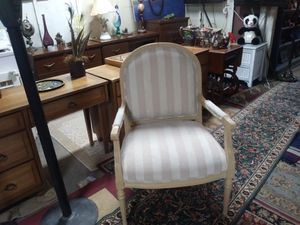 Large cream arm chair by Thomasville for Sale in St. Louis, MO