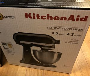 Kitchen Aid Classic mixer 4.5 q (NOT accepting offers! for Sale in Boston, MA